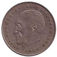 Конрад Аденауэр. Монета 2 марки. 1977 год (J), ФРГ. Из обращения.
