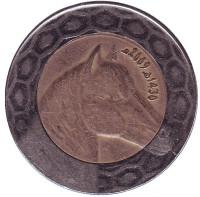 Лошадь. Монета 100 динаров. 2009 год, Алжир.